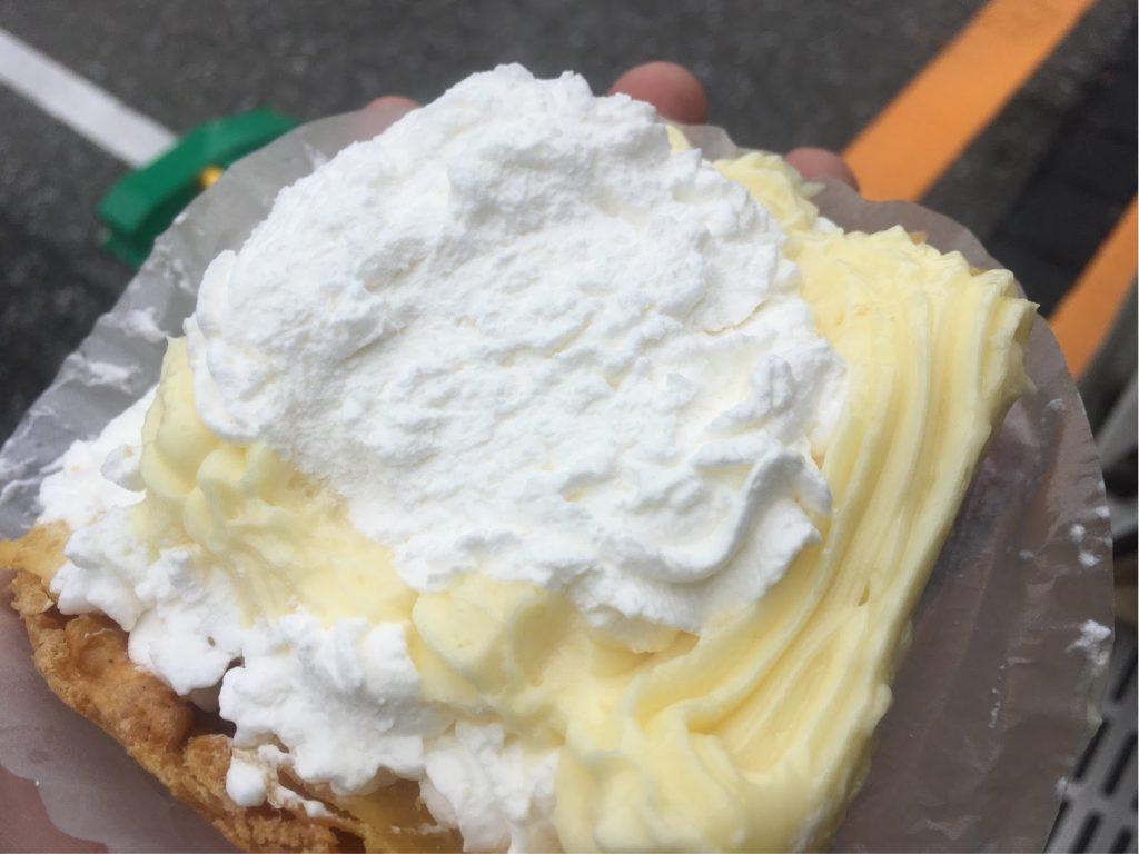 ほんだ菓子店シュークリーム食べ方