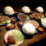 【デカ盛り】上州屋 藤沢市 5人全員が米2kgの爆食オフ会☆豚バラガーリック焼肉定食メガ&ご飯メガ盛り【米10kg】