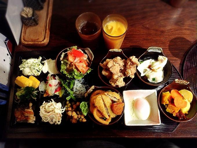 隠れ房 御庭 食べ放題1480円