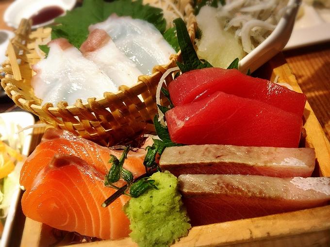 原始焼き 井の壱 惣菜食べ放題680円(夜980円)