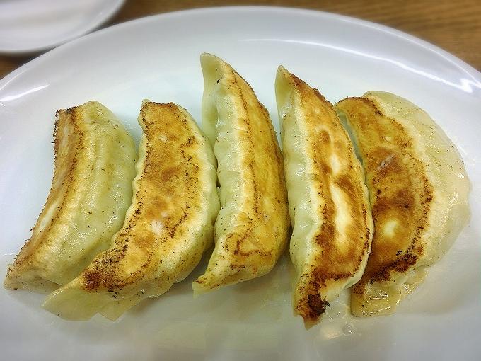 中華トントン、名物ジャンボびっくり餃子