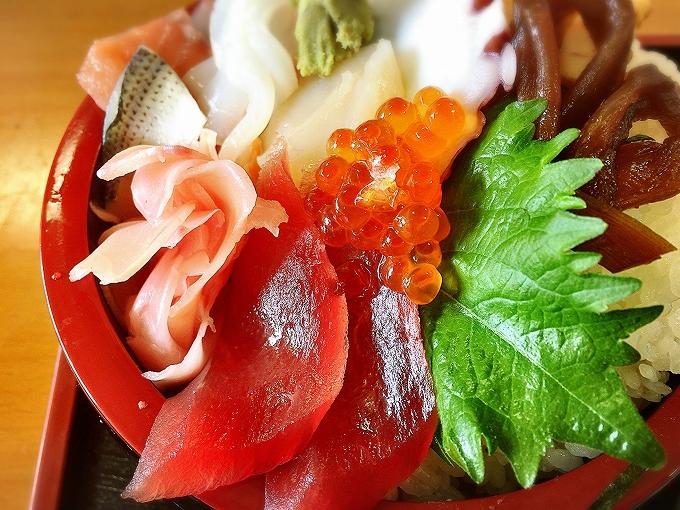 【食堂風】ご馳走Dokoroかねはち 鴻巣市 川幅丼と海鮮どんぶりに注目