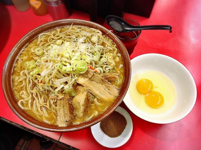 【デカ盛り】豚ラーメン 板橋駅前店 大ラーメン麺増し1000g