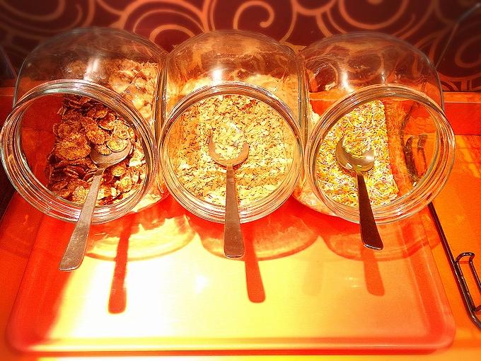 カラオケONE 浦和市 ソフトクリーム食べ放題付きドリンクバーが安い2種類のフレーバー&トッピング