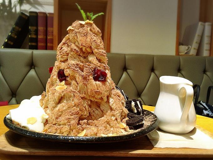 ホミビン 新大久保 パフェのようなケーキがのったオシャレカキ氷 オレオティラミスパフェ