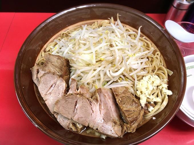 【新店】ラーメン ハイキック 富士見市 ラーメン大麺800g 食べごたえ抜群のチャーシュー