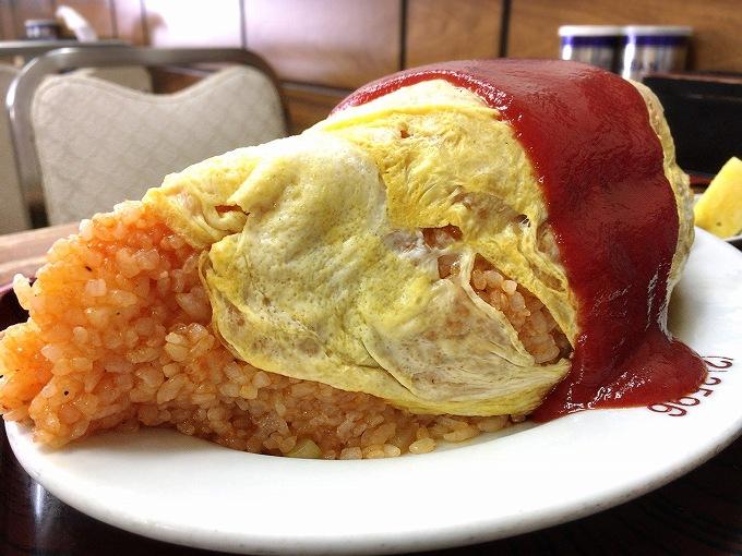 【デカ盛り】長寿庵 飯能市 蕎麦屋のオムライスで1トライ☆見事なラグビーボール型で登場【スープもウマい】