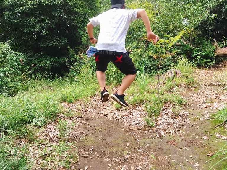 【埼玉B級スポット】山の頂上で跳ねると音が鳴る?!ポンポン山 吉見町☆財宝が眠るうわさもある岩山