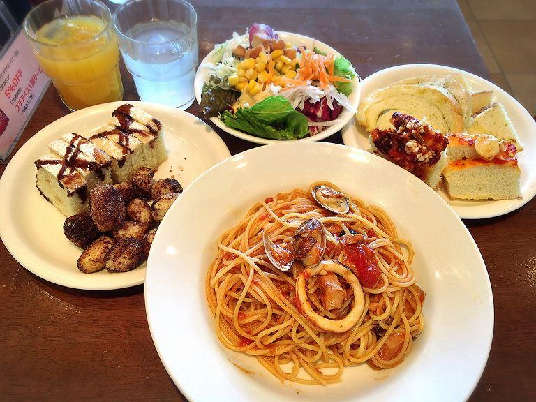カプリチョーザ 平日ランチバイキング1100円がサラダ&パンの食べ放題付きでお得【ドリンクバー付き】