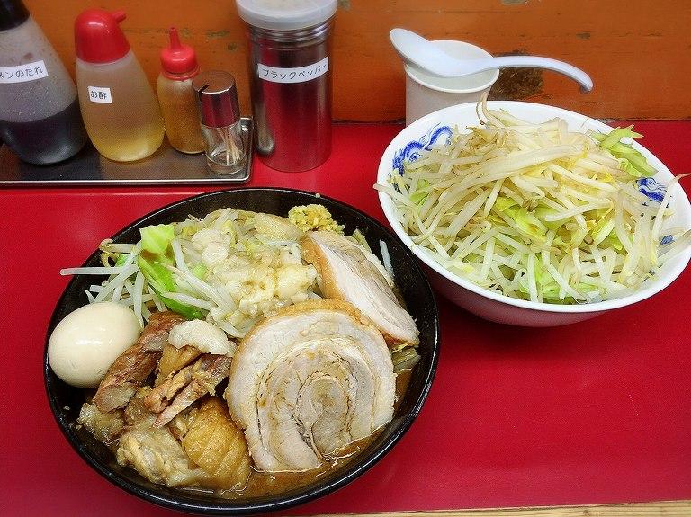 【大盛り】モッコリ豚 志木市 レギュラーで味噌まであるガッツリ系☆ジャンクガレッジ化が進行中?!
