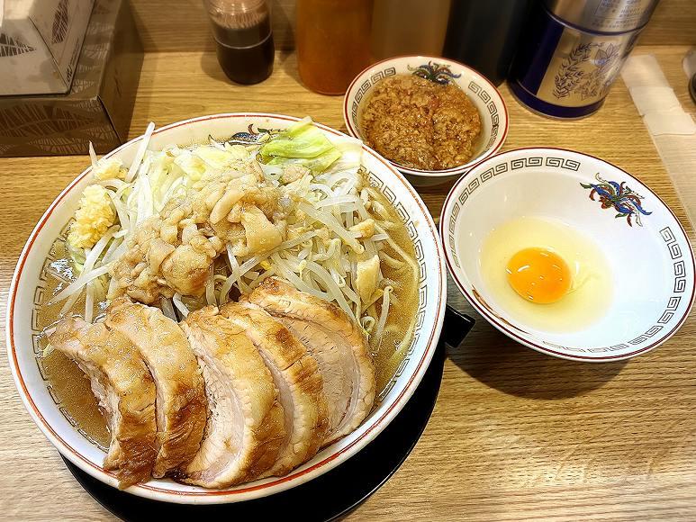 【デカ盛り】ラーメン豚山 幡ヶ谷店 大ぶたで肉5枚とメニュー紹介【人気】