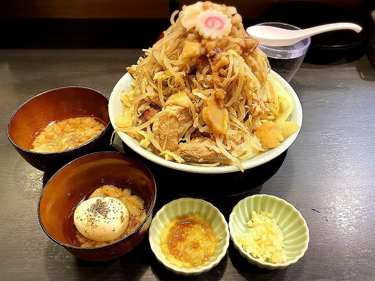 【大人気】自家製麺No11 大山 豚増しラーメン!食券メニューとルールは?【二郎系】