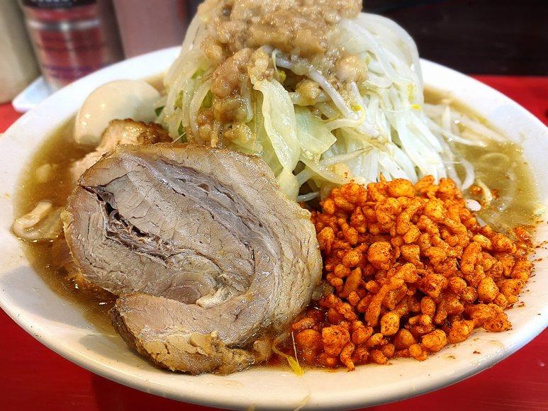 【新店】ラーメン鷹の目 大宮店 豚が分厚いラーメン大の実食とメニュー紹介!