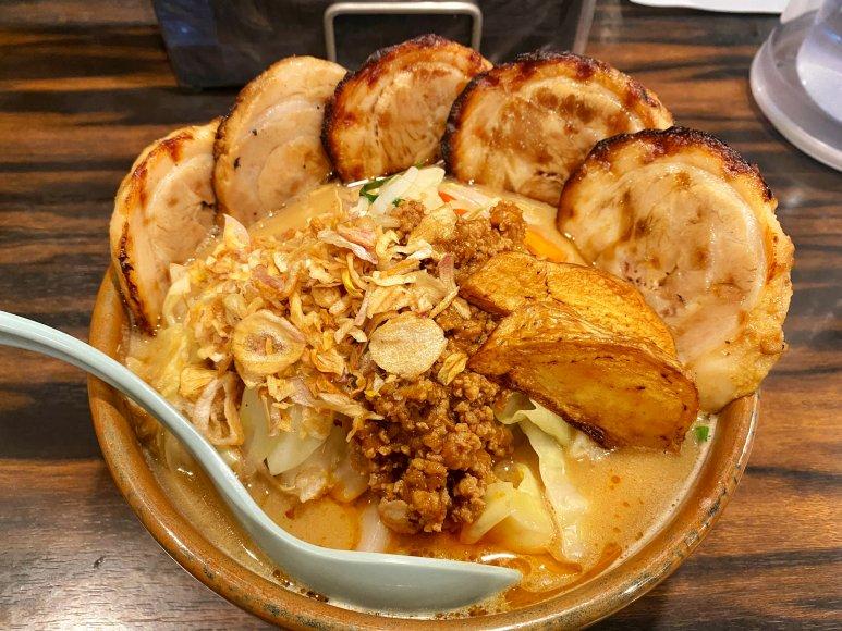 【濃厚】田所商店 桶川店 味噌漬け炙りチャーシュー麺 肉増しで豪快に食す!