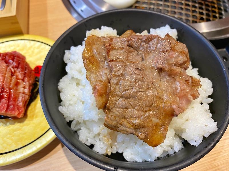上尾市【廻転レーン焼肉 いっとう】レーンで流れてくる肉が回転すしみたい!